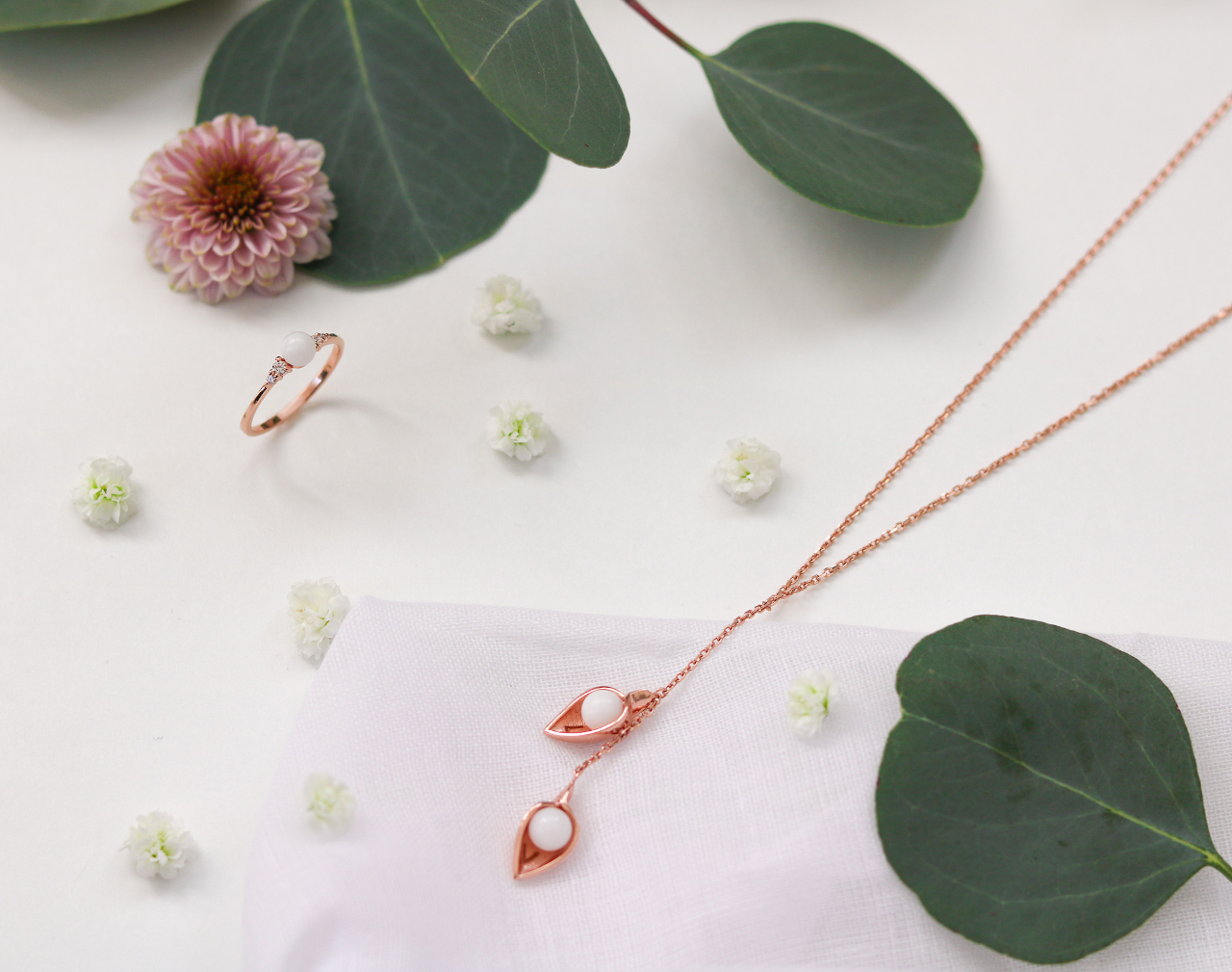 breast milk jewelry, Rose-coloured joy and white pearls, LaJoieenRose